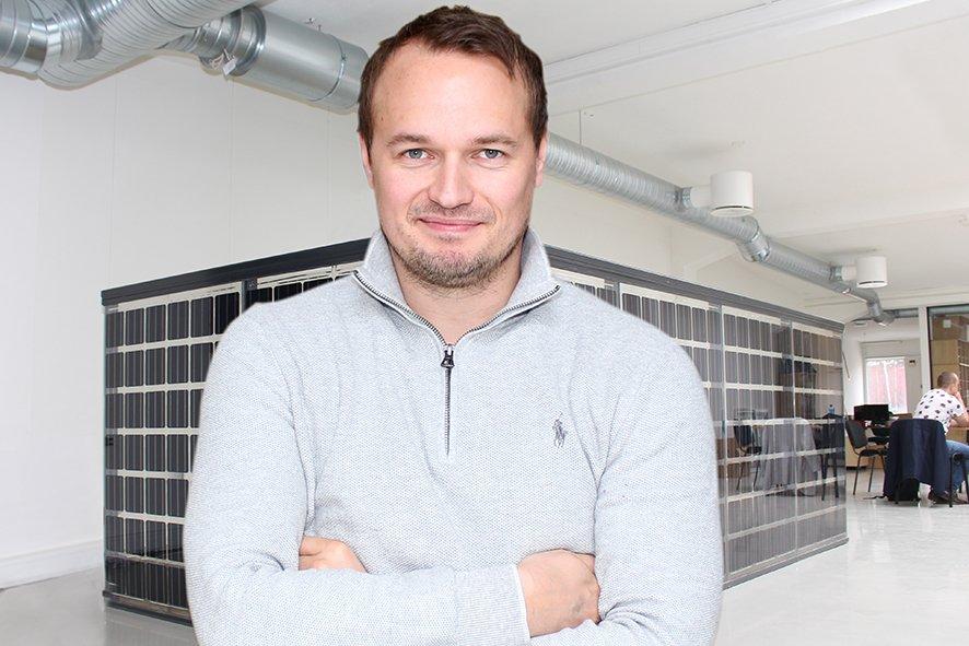 Lanserer rekkverk med solcellepaneler