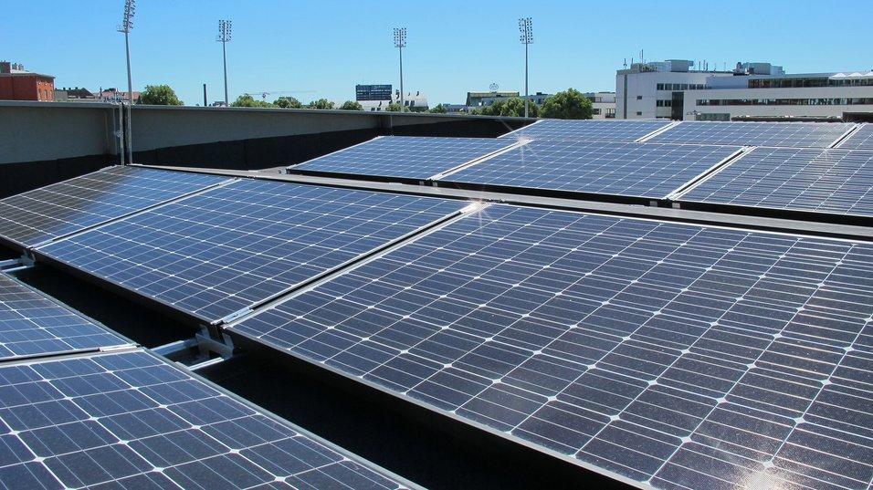 Solcelleanlegg på plass på Bislett stadion