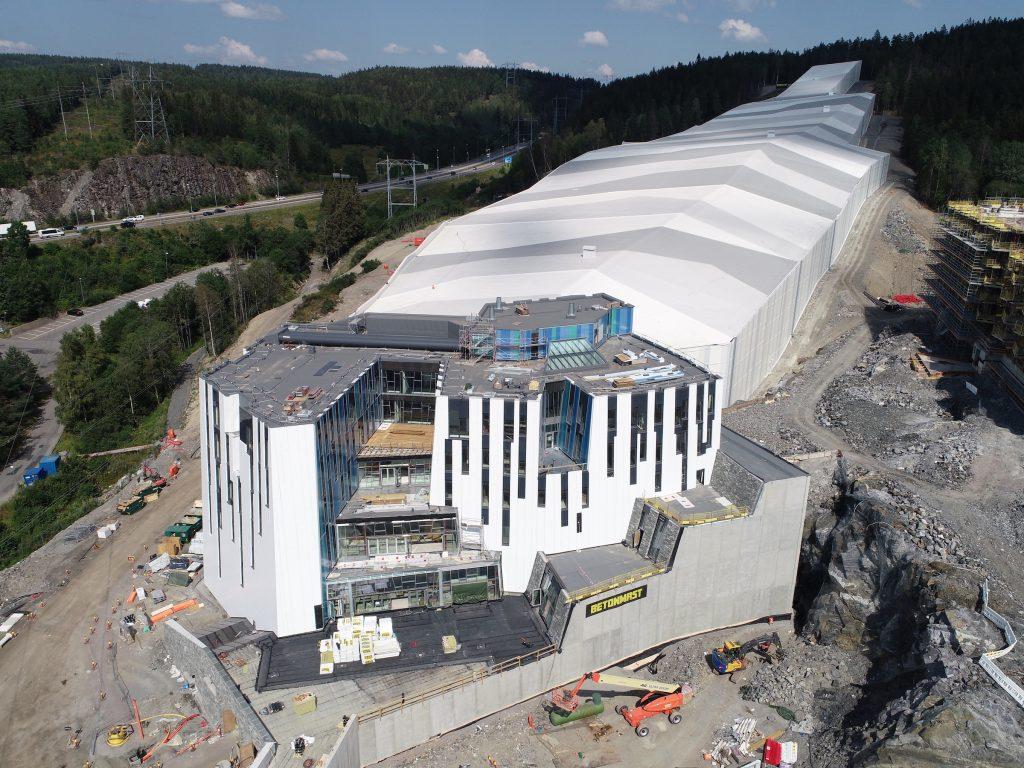 SNØ-fasade til 40 millioner